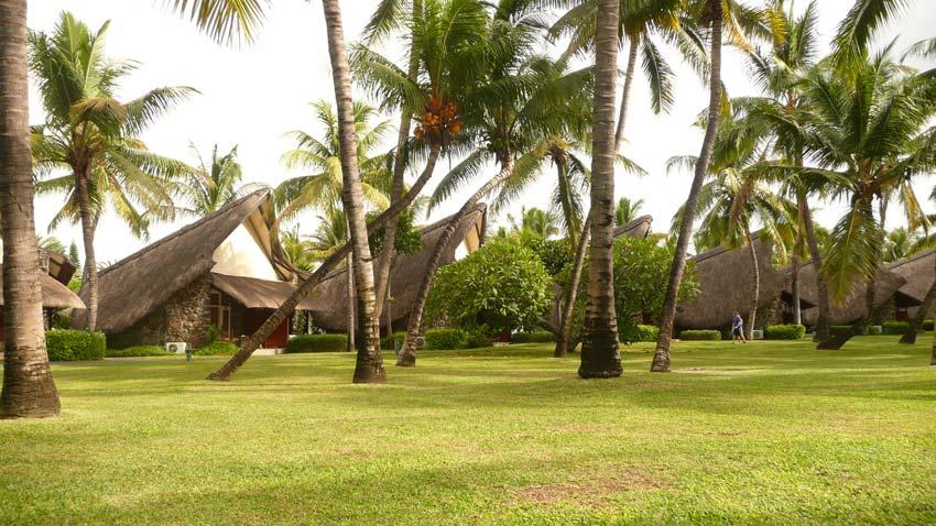 Les huttes de l'hôtel La Pirogue